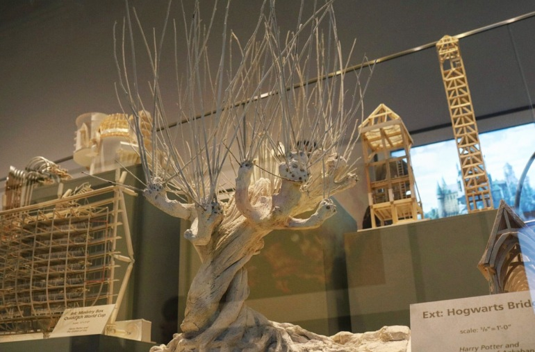 whomping willow tree miniature set design