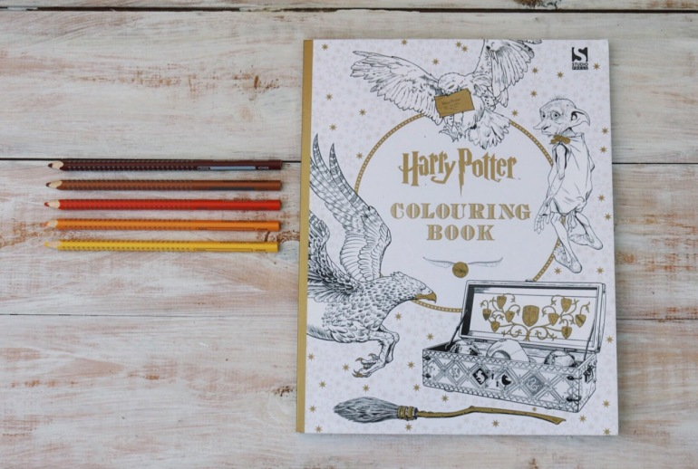 colouring book - official harry potter colouring book